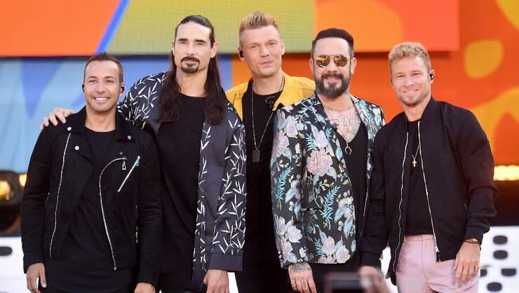 NYC Subway Riders Break Into Spontaneous Backstreet Boys Sing-Along | iHeartRadio