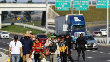 National News - CBP Officials To Close Several Lanes at US Border Ahead of Migrant Caravan