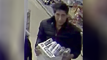 Entertainment - David Schwimmer's Beer-Stealing Doppelgänger Arrested, British Police Say