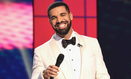 Trending - Drake Rapping His Own Songs At Karaoke Is A Mood