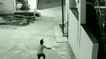 Dave Michaels - Watch the moment a boy survived a 40ft plunge from a rooftop!