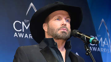 CMT Cody Alan - Garth Brooks & Trisha Yearwood Prepare To 'Ugly Cry' During CMA Awards