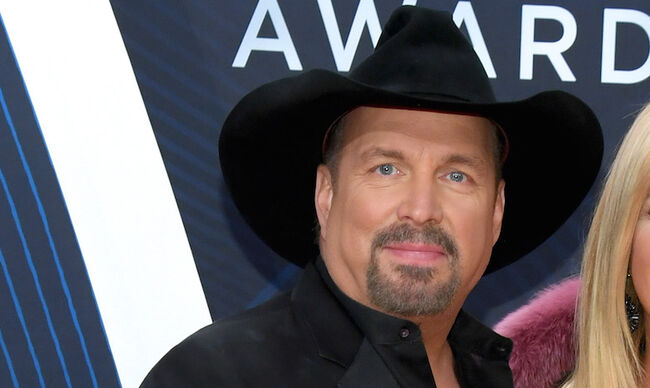 Garth Brooks CMAs 2018