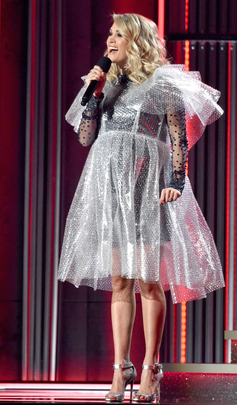 Carrie Underwood S 2018 Cmas Dresses Iheartradio