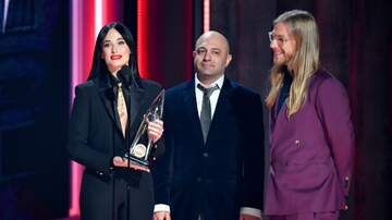 iHeartCountry - Kacey Musgraves Wins Album Of The Year For 'Golden Hour' At The CMAs