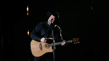 The Vinnie Penn Project - Garth Brooks Steals The Show With New Song