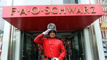 Maxwell - FAO Schwarz Reopens in Manhattan