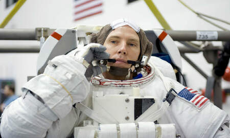 Trending - Singing Astronaut Returns From Space