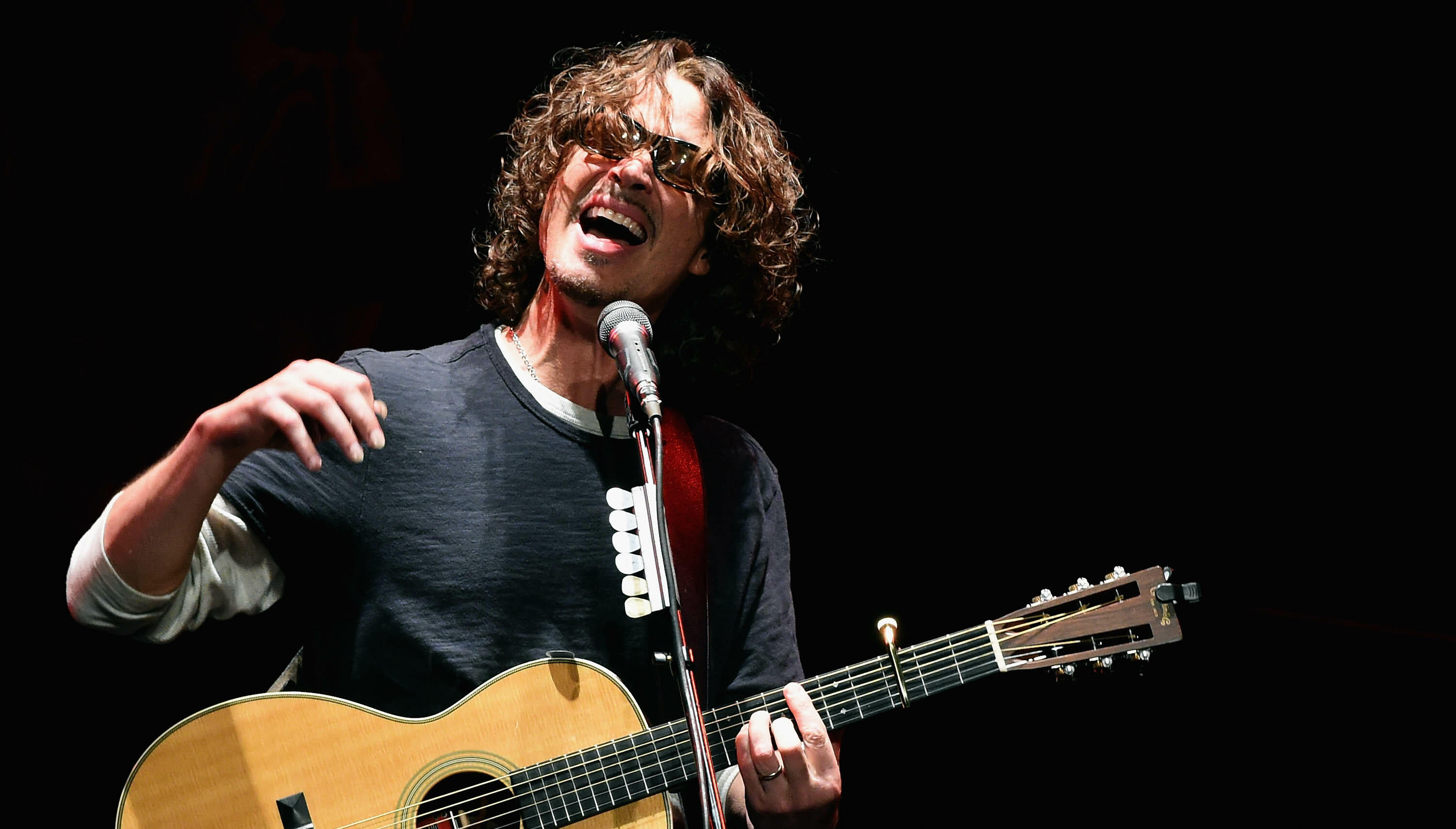 """Hear Chris Cornell's Mashup of """"One"""" by U2 and Metallica"""