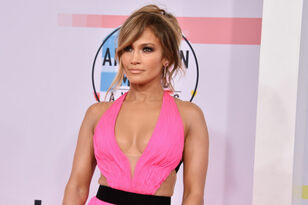 Those Jennifer Lopez Super Bowl LIV Halftime Show Rumors Are Heating Up