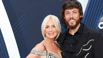 - Chris Janson Debuts First-Ever Christmas Song 'It Is Christmas'