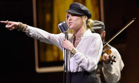 Trending - Miley Cyrus To Premiere New Song 'Nothing Breaks Like A Heart' In December