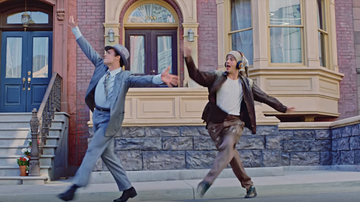 Trending - Matty Healy Shows Off His Best Dance Moves in 'Sincerity Is Scary' Video