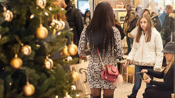 Local Houston & Texas News - Americans shopping in big numbers for Christmas