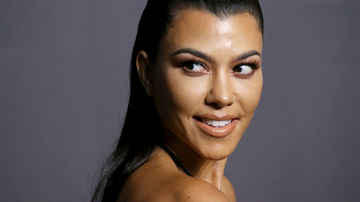 Johnjay And Rich - Kourtney Kardashian Poses Nude For Sexy GQ Mexico Shoot