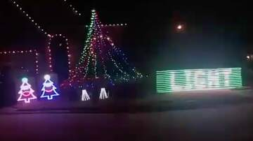 Rucker - Christmas Lights Show Playing Sicko Mode