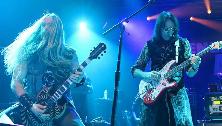 """See Steve Vai's 5-Guitar """"Bohemian Rhapsody"""" With Zakk Wylde, Yngwie"""