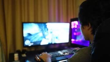 Suzette - Online Predators Are Targeting Minors Through Games Like FortNite & More