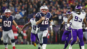 Boston Sports - Tom Brady Becomes Oldest Player To Rush For 1,000 Yards