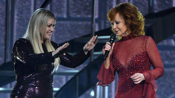 CMT Cody Alan - Kelly Clarkson Gets Emotional Over Reba During Kennedy Center Honors
