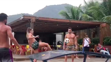 Meat - Ping Pong Soccer ?