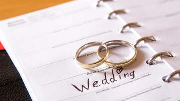 None - Listener David And His Fiance Are Fighting Over The Size Of Their Wedding