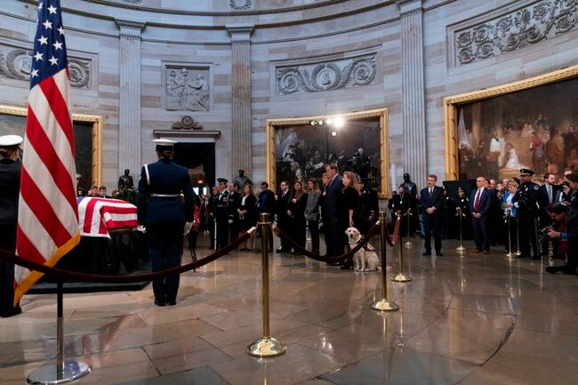 Mourners pay respects to George H.W. Bush
