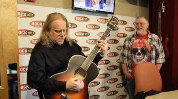 Photos - Warren Haynes live in the Rock 105.1 Studio