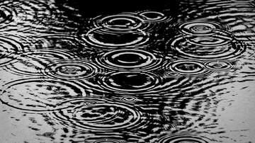 KOGO LOCAL NEWS - Storm Soaks San Diego County, Snarls Traffic