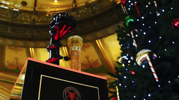 Weird News - Satanic Statue Installed In Illinois Statehouse Among Holiday Displays