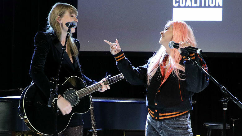 """Taylor Swift & Hayley Kiyoko Team Up For Acoustic """"Delicate"""" Performance"""