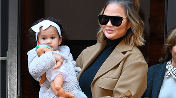 Entertainment News - Chrissy Teigen Wasn't Sure She Wanted Her Kids To 'Believe in Santa'