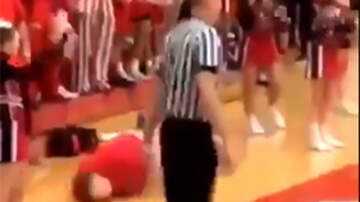 Sports Top Stories - High School Basketball Player With Epilepsy Mocked By Students During Game