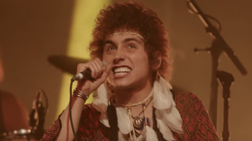 Trending - Greta Van Fleet Share When The Curtain Falls Live Video: Watch