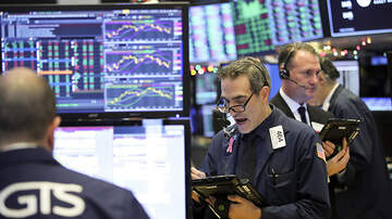 National News - Stocks Bounce Back After Major Dip, But Dow, S&P 500 Still Close In The Red