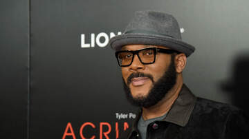 JJ Ryan - Tyler Perry Pays Off $430K Of Layaway Items At WalMart Stores