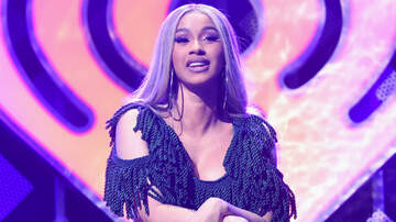 Trending - Cardi B Brings Out Stripper-Topped Christmas Tree At 2018 Jingle Ball