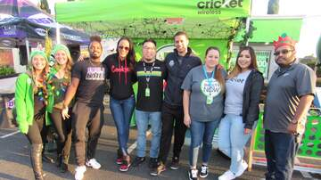 Photos - Cricket Wireless Holiday Tree Giveaway w/Shay | San Jose | 12.8.18