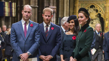 Music News - The Royal Family Reportedly Has A Family Group Text