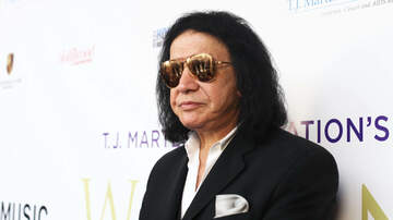 Rock News - Gene Simmons Sued for Grabbing Woman's Crotch During Photo Op