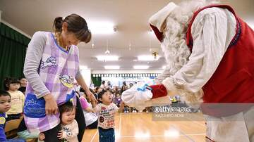 Bionce Foxx - Kids Shouldn't Be Forced To Take A Pic With Santa