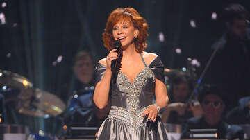 None - Reba McEntire Performs Dolly Parton's Hard Candy Christmas