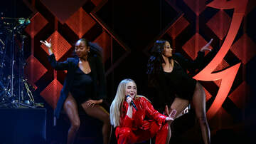 Jingle Ball - Sabrina Carpenter Sends HOT 99.5 Jingle Ball Into Frenzy