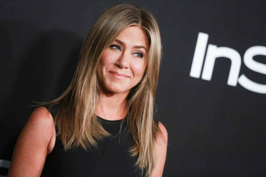 Video Jennifer Aniston Likes To Do What Nude  Bill Cunningham  700Wlw-8295