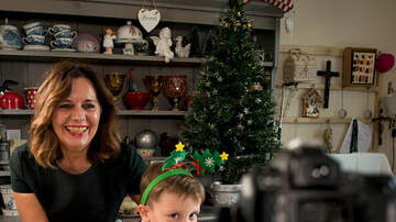Toby Knapp - THE LIST: 18 Holiday Social Posts Moms will make in December!