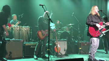 Music News - Dave Grohl Plays All Apologies With Gov't Mule During Secret Show: Watch