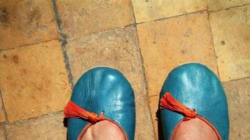Steve & Gina's Blog - Is wearing slippers to work appropriate?