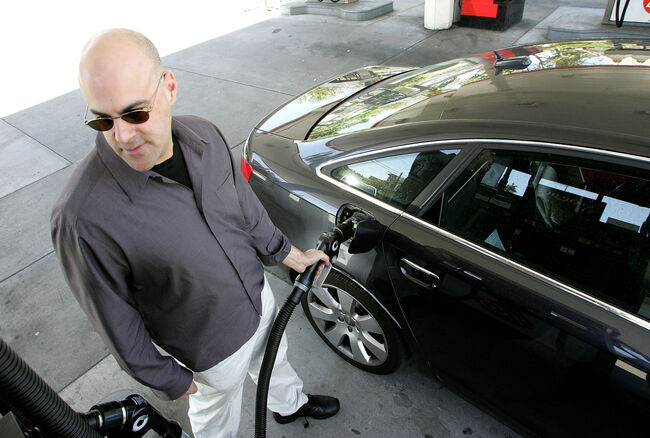 Average L.A. County Gas Price Drops For 50th Consecutive Day