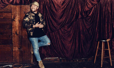 Music News - Mitchell Tenpenny on 'Vulnerable & Honest' Album 'Telling All My Secrets'
