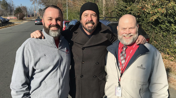Music News - Dave Grohl Makes a Surprise Visit to His Old High School